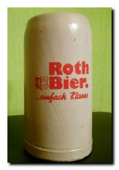 1 Liter Steinkrug, kleines l ohne Hersteller Kennzeichnung. Aus den 1960 er Jahren noch vor der Wendezeit.